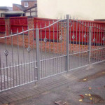 jlr-metal-works-folding-metal-gates-1b
