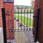 jlr-metal-works-metal-side-gate-1b